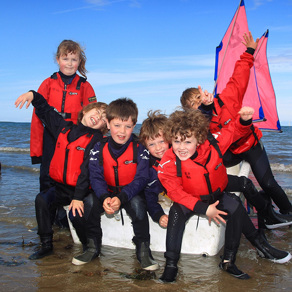 Family programme - Sports and Activities in Eastbourne : sailing.