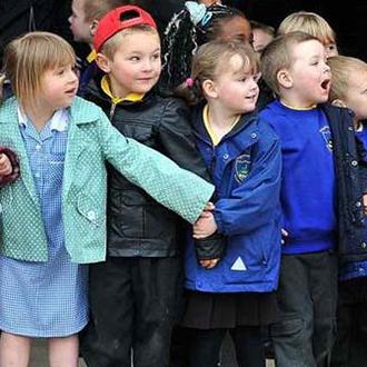 Cours d'anglais pour enfants de 3-5 ans en Angleterre avec ACCORD ISS.