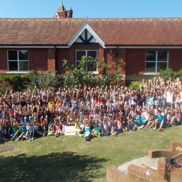 Groups and school groups in England : all inclusive package offered at ACCORD ISS Moira House summer school in Eastbourne.