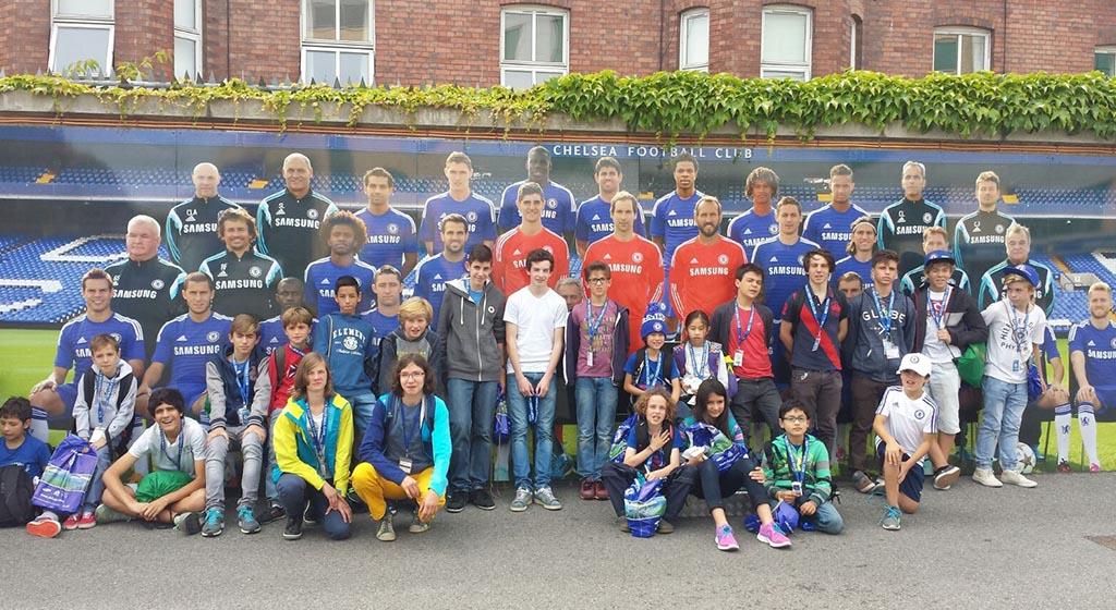 La Scuola di football ISS offre corsi di football durante le vacanze scolastiche per ragazzi tra gli 8 e i 17 anni.
