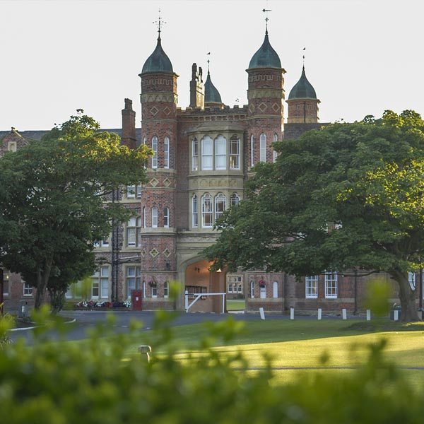 ACCORD ISS Sprachschulen in England : Rossall Sommersprachschule.